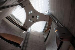 آسانسور مدرن موزه مرسدس بنز